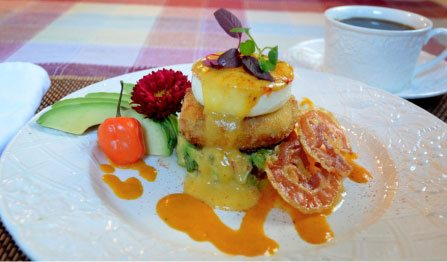 Jumbo Lump Crabcake with Alligator Pear Relish