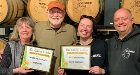 Image of Beechwood Inn owners accepting Best Bed and Breakfast Award